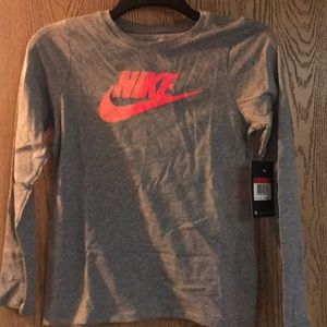 Nike Girls Long Sleeve T Size L, new!